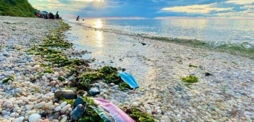 El plástico, que ya ha atragantado nuestros océanos, terminará por asfixiarnos a todos si no actuamos rápidamente